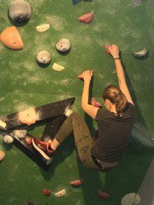 Klettern in der Boulderhalle